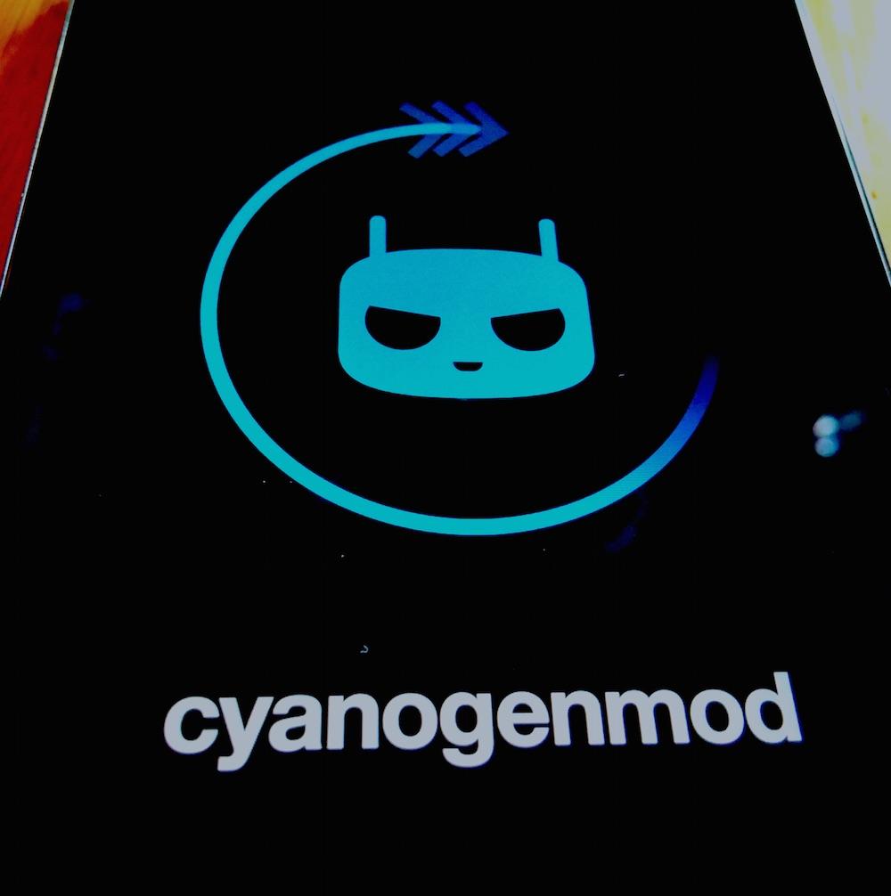 LG G2 CyanogenMod