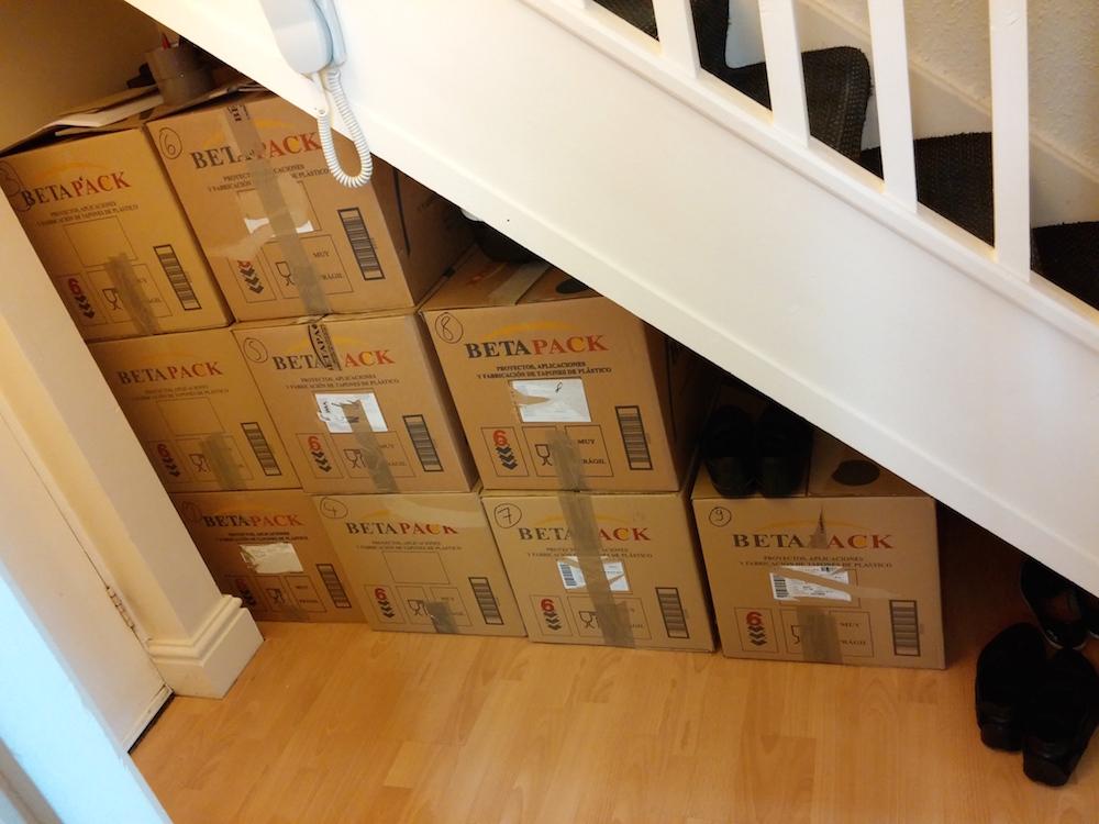 9 der 11 Pakete für den Versand nach Deutschland (Bild: Benjamin Blessing)