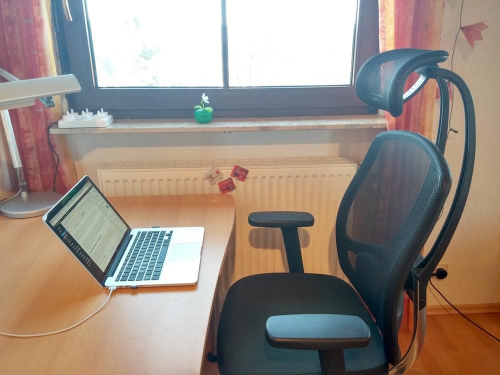 Im Homeoffice von zu Hause aus arbeiten (Bild: Copyright Benjamin Blessing).