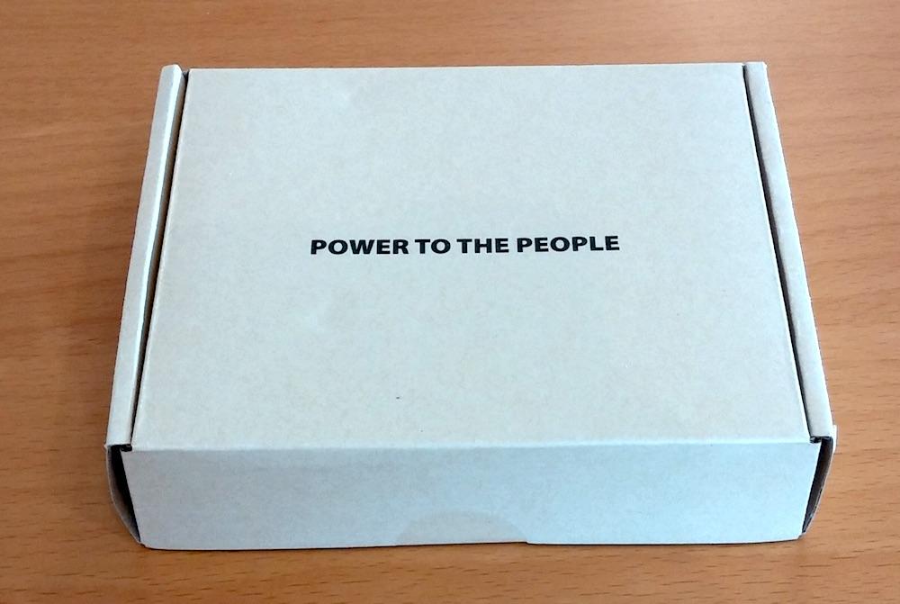 Power to the People - Kein schlechter Slogan für ein USB Netzteil (Bild: Copyright Benjamin Blessing).