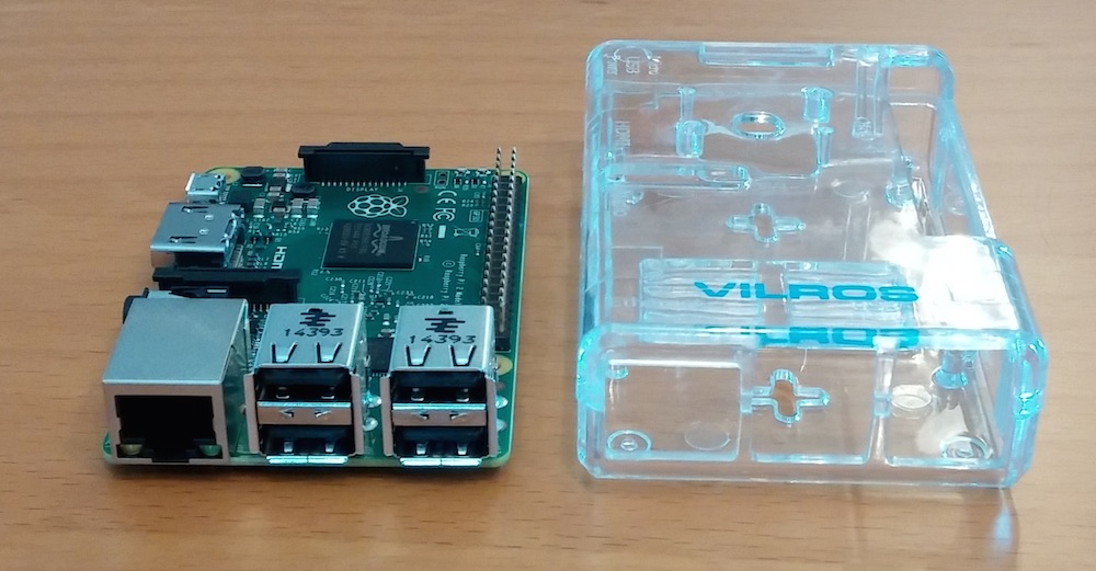 Plastikgehäuse zum Raspberry Pi muss separat erworben werden (Bild: Copyright Benjamin Blessing).