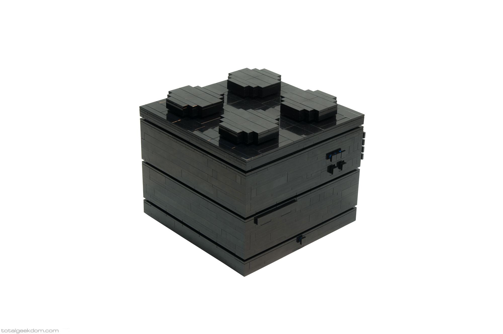 Stein und Stein und fertig ist der LEGO Computer (Bild: TotalGeekdom.com).