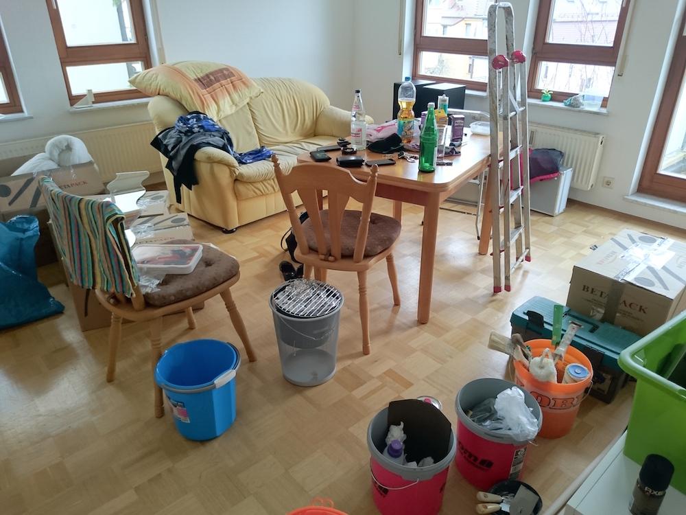 Chaos beim Einzug (Bild: Copyright Benjamin Blessing).