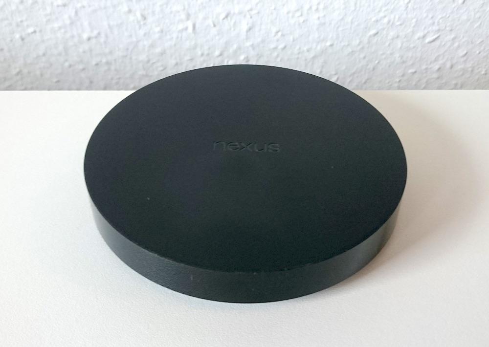 Der Google Nexus Player läuft mit Android TV als Betriebssystem (Bild: Benjamin Blessing).