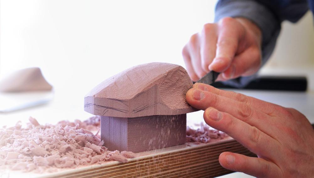 Logitech legt Wert auf den handwerklichen Prozess für die Entwicklung des Designs der MX Master (Bild: Logitech.com).