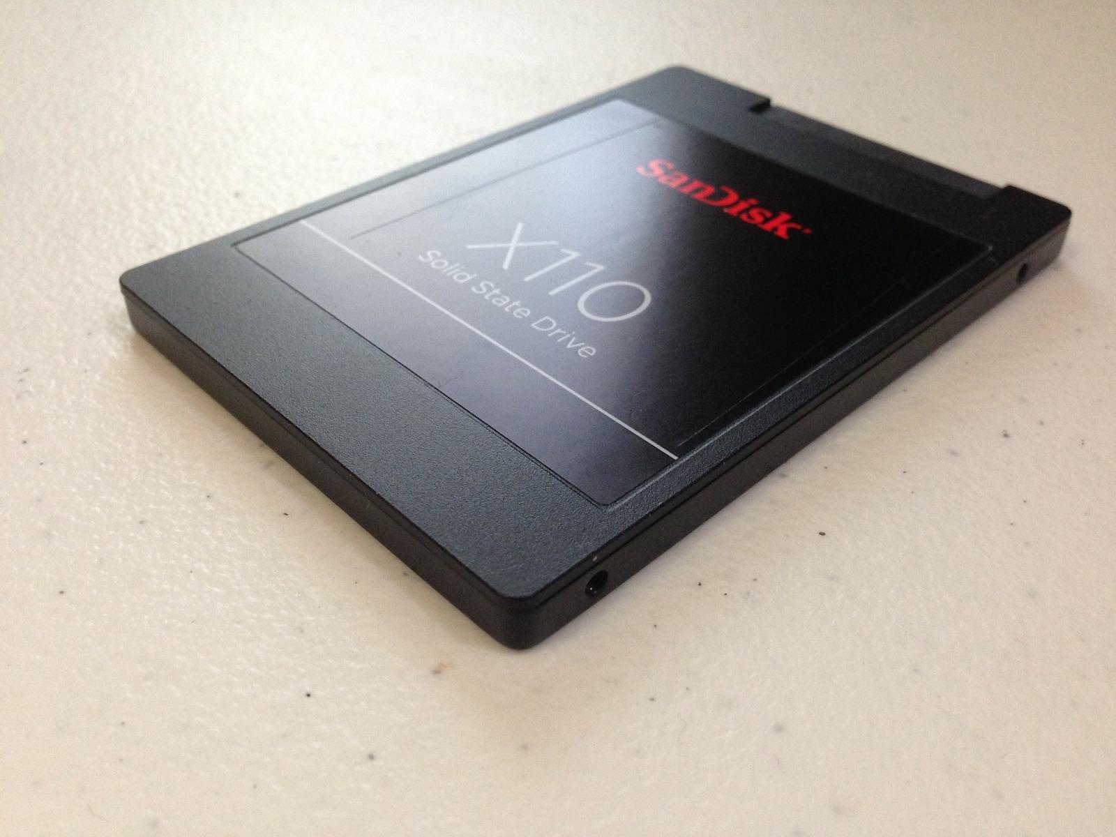 SanDisk X110 SSD Festplatte