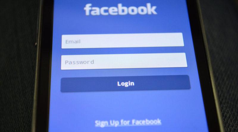 Facebook App Login