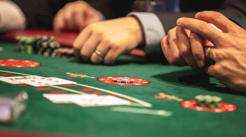 Die neuen Regeln beim Spielen in Online Casinos
